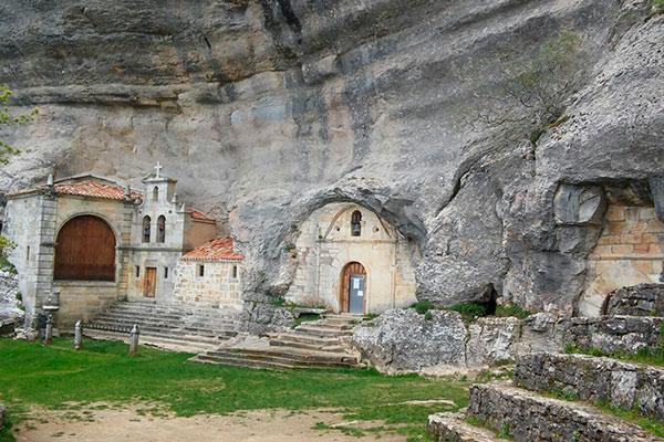 Ruta de las Merindades: Ojo Guareña, Puentedey, Espinosa de los Monteros y Medina de Pomar
