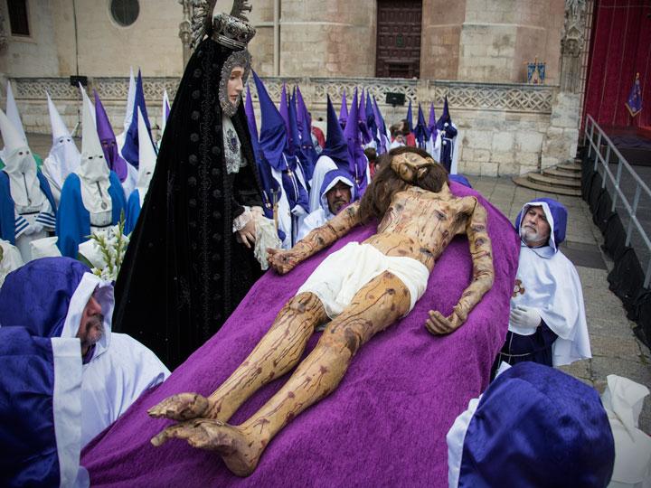 El desenclavo del Santísimo Cristo de Burgos